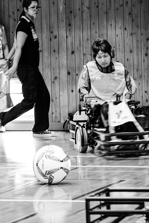 出張撮影・お外スタジオ・ホームページ制作・グラフィックデザイン制作を西宮・神戸・大阪・芦屋・宝塚中心に行っているLighthouse Photoの出張撮影・スポーツ撮影・サッカー撮影・電動車椅子サッカー撮影の『兵庫県電動車椅子サッカー大会』の撮影の様子7