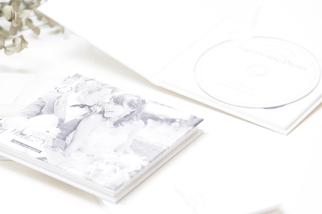 出張撮影・お外スタジオ・結婚式撮影・ホームページ制作・グラフィックデザイン制作・アルバムデザイン制作を西宮・神戸・大阪・芦屋・宝塚中心に行っているLighthouse PhotoのDVD&ALBUMの02