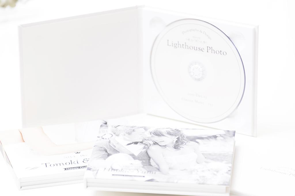 出張撮影・お外スタジオ・結婚式撮影・ホームページ制作・グラフィックデザイン制作・アルバムデザイン制作を西宮・神戸・大阪・芦屋・宝塚中心に行っているLighthouse PhotoのDVD&ALBUMの03